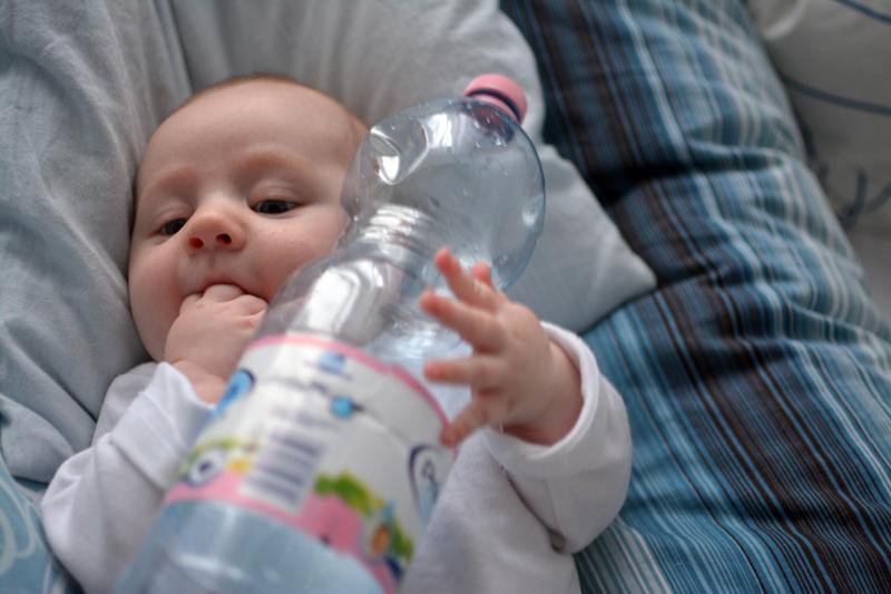 Zabawa butelką po wodzie Primavera (2)