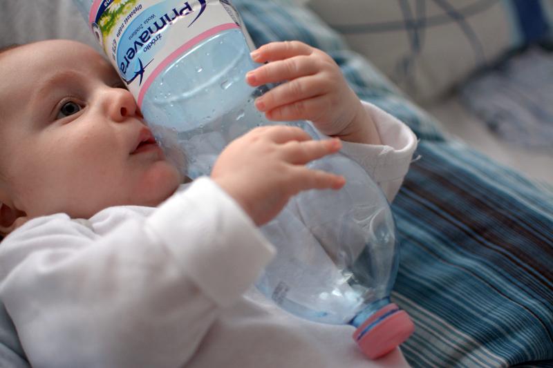 Zabawa butelką po wodzie Primavera (7)