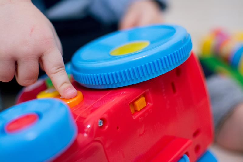 Fisher-Price Blog z Zabawkami Zabawki dla Dzieci HM Prezent na urodziny Zara (8)