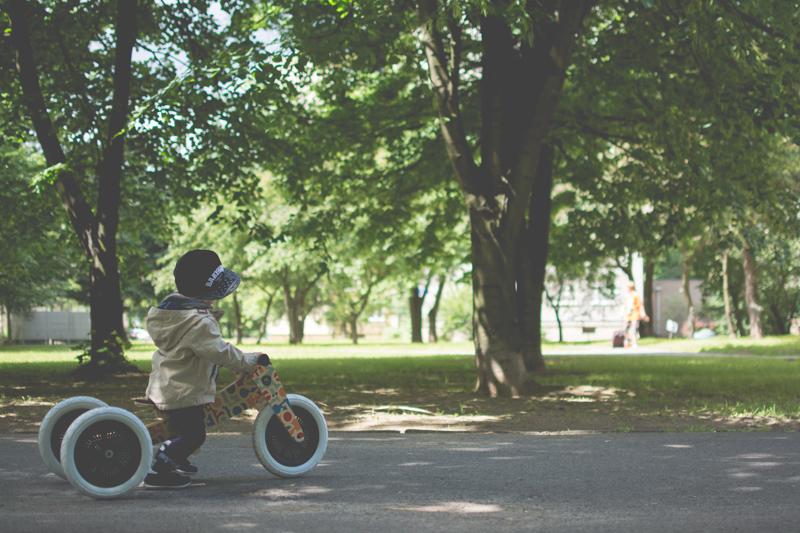 Rowerek drewniany biegowy Wishbone test blog dziecięcy blog modowy (11)