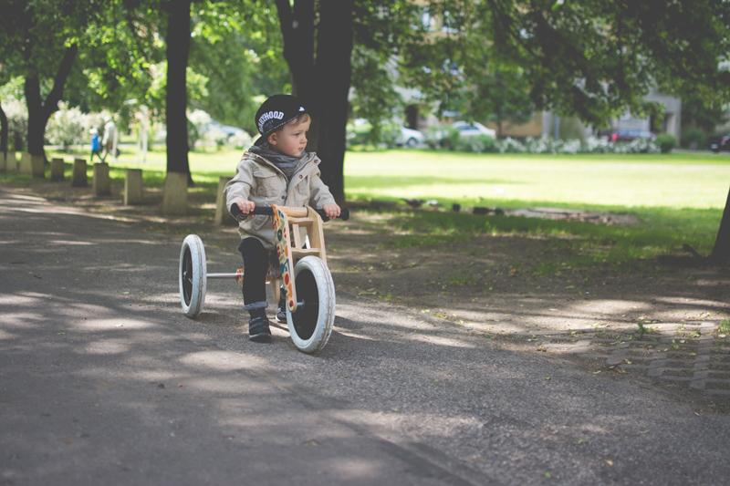 Rowerek drewniany biegowy Wishbone test blog dziecięcy blog modowy (17)
