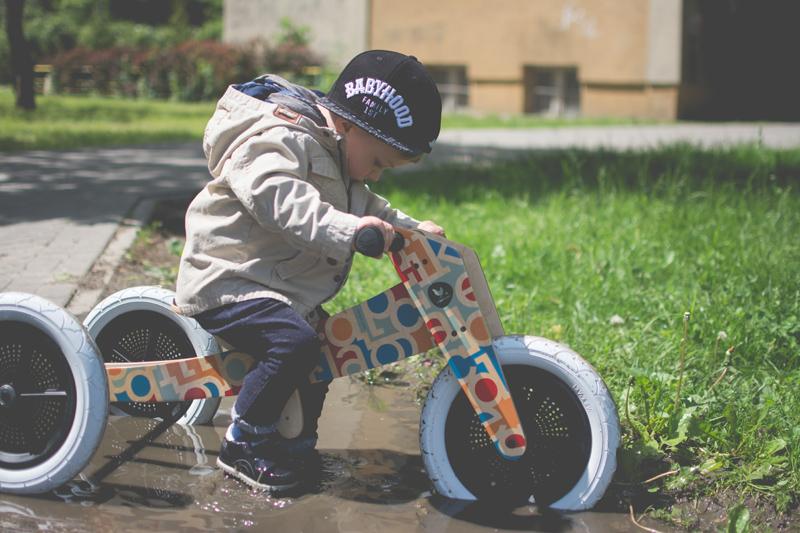 Rowerek drewniany biegowy Wishbone test blog dziecięcy blog modowy (19)