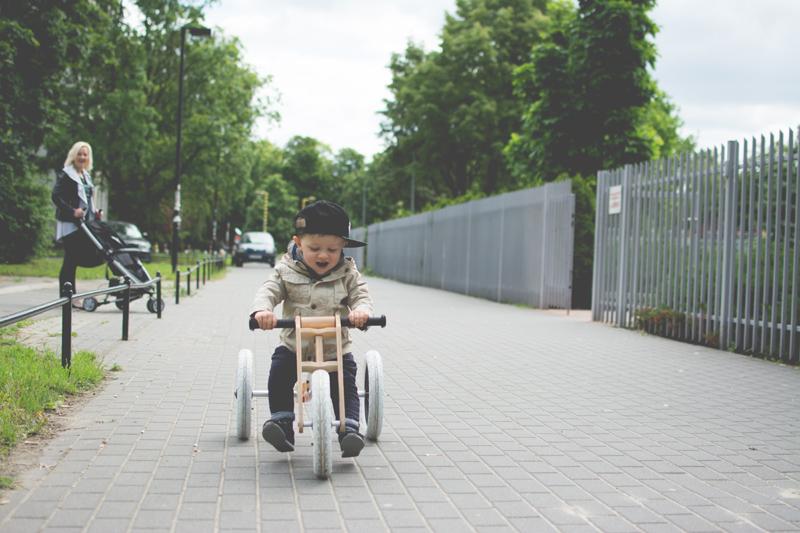 Rowerek drewniany biegowy Wishbone test blog dziecięcy blog modowy (2)