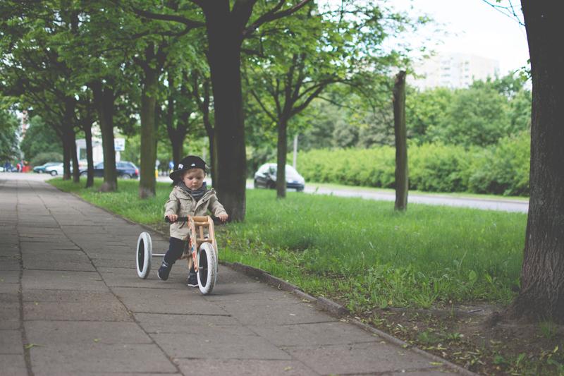 Rowerek drewniany biegowy Wishbone test blog dziecięcy blog modowy (24)