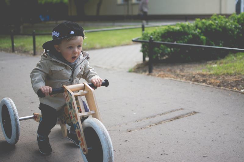 Rowerek drewniany biegowy Wishbone test blog dziecięcy blog modowy (9)