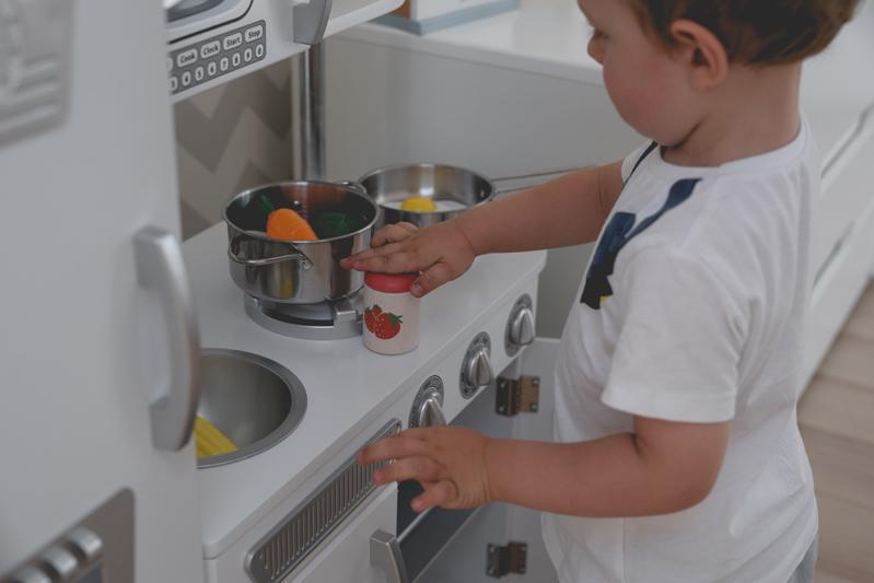 Kid-Kraft-Kuchnia-dla-chłopca-kuchnia-zabawkowa-tatata-plan-toys-drewniane-jedzenie-27
