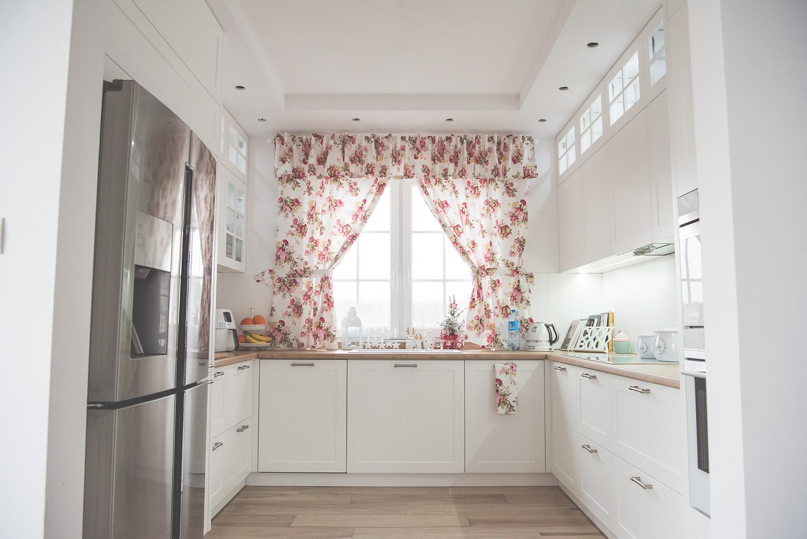 kuchnia-z-oknem-aranzacje