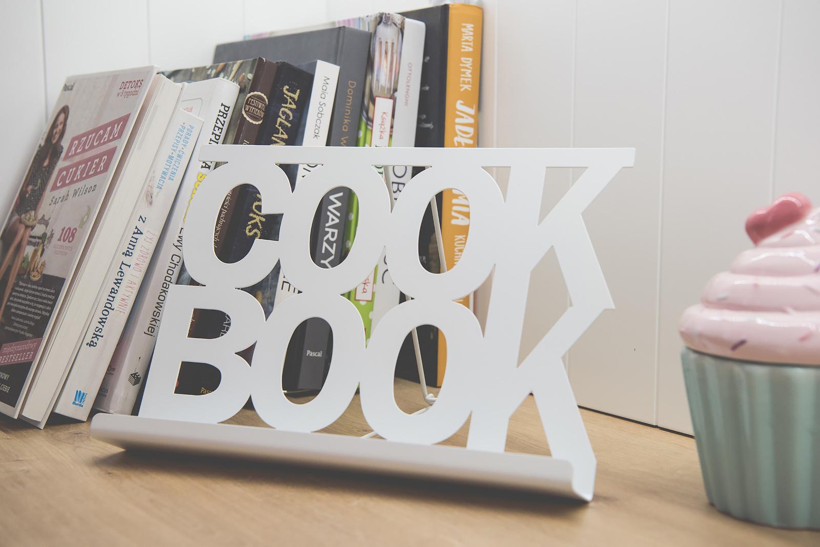 podstawka-pod-ksiazke-kucharska
