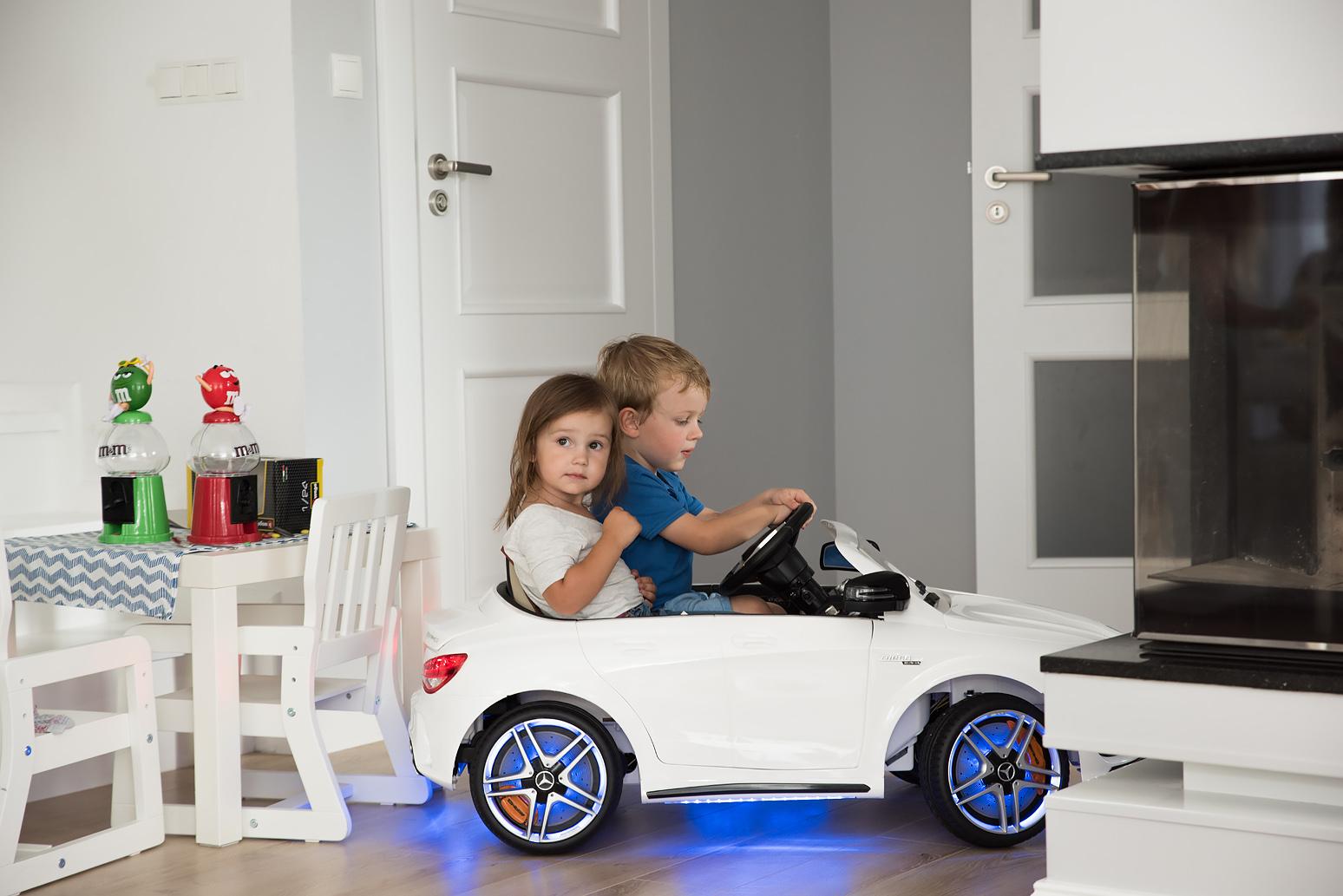 samochod zabawkowy