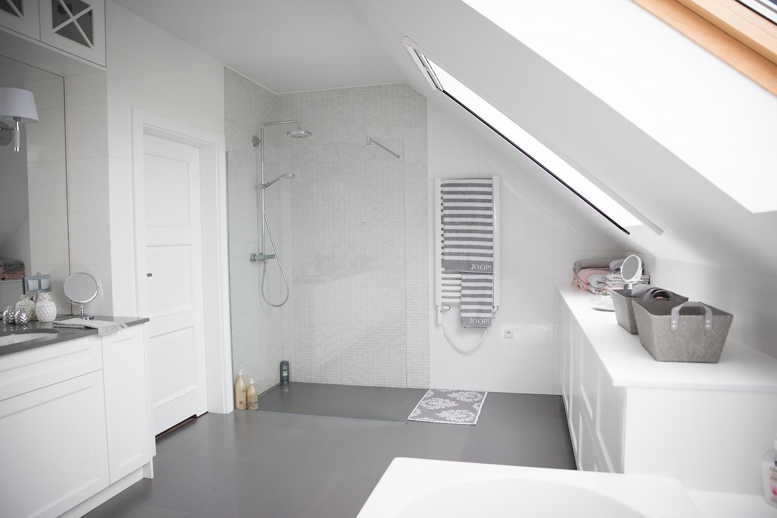 Nasza Biało Szara łazienka W Stylu Klasycznym