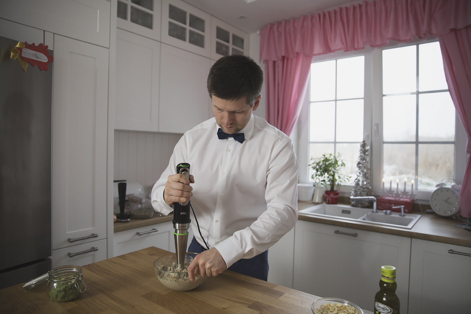 facet-w-kuchni-braun32